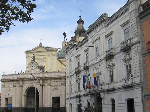 Castellammare di Stabia. Cattedrale di Santissima Maria Assunta e Palazzo Farnese.